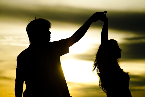 636048003523235181905310179_couple-silhouette-the-trent-6